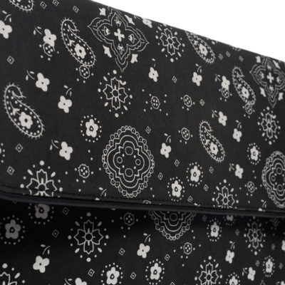 BLACK BANDANA LEAF CLUTCH